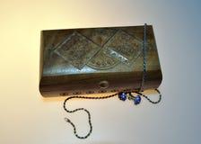 Scatola di legno per gli ornamenti Immagine Stock