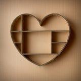 Scatola di ombra in forma di cuore fatta a mano di ondulato Fotografia Stock Libera da Diritti
