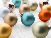 Scatola di ornamenti di natale Fotografie Stock Libere da Diritti