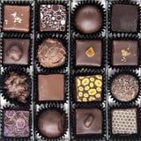 Scatola di varie praline del cioccolato Fotografia Stock