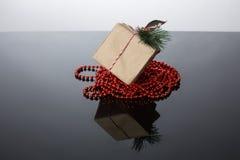 Scatola e regalo del mestiere fotografie stock libere da diritti