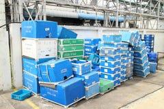 Scatola e residuo di carta in fabbrica Immagini Stock