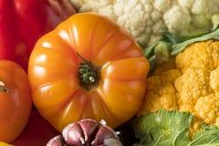 Scatola organica sana del mercato degli agricoltori di estate Fotografie Stock