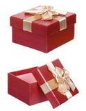 Scatola rossa del presente del cartone del regalo isolata fotografie stock libere da diritti