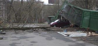 Scatole del parcheggio schiantate dalla tempesta Immagine Stock