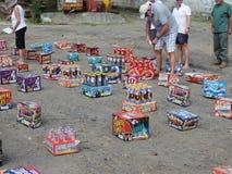 Scatole di fuochi d'artificio che sono presentati su Bequia. Fotografia Stock Libera da Diritti