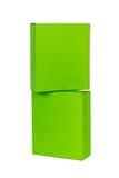 Scatole verdi impilate o contenitore di pacchetto del Libro Verde isolato su bianco fotografia stock