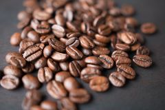Scattered pile of coffee beans Stock Photography