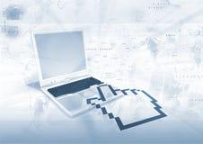 Scatto della mano del computer portatile Fotografia Stock