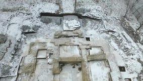 Scavo di vecchio tempio ortodosso stock footage
