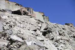 Scavo su una cava di estrazione mineraria Immagini Stock
