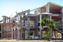 Sceleton de la nueva casa de la cabaña del suburbio Fotografía de archivo