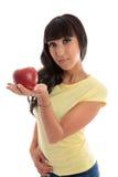 Scelta sana - frutta della holding della donna immagini stock libere da diritti