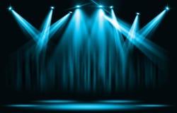 Scen światła Błękitny światło reflektorów z pewnym przez ciemności