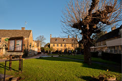 Scena Bourton sull'acqua, Regno Unito del villaggio immagini stock