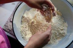 Scena casalinga di cottura, Fotografia Stock Libera da Diritti