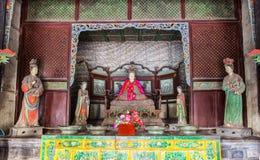 Scena commemorativa del tempio di Jinci (museo). La madre da santo e le domestiche hanno colorato la scultura di argilla al corrid Immagine Stock Libera da Diritti