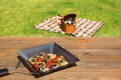 Scena del BBQ e di picnic fotografie stock