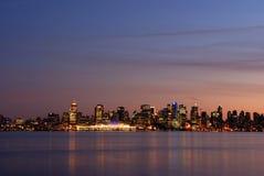 Scena del centro di notte di Vancouver Immagini Stock