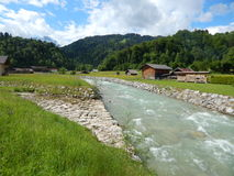 Scena del fiume della montagna in Garmisch, Germania Immagini Stock Libere da Diritti