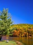 Scena del lago autumn Fotografia Stock