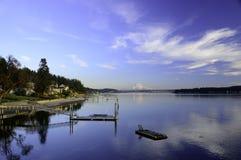 SCENA dell'acqua del porto della jola CON il supporto più piovoso fotografie stock