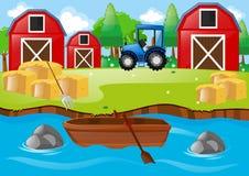 Scena dell'azienda agricola con i granai ed il trattore Fotografia Stock Libera da Diritti
