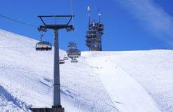 Scena della cabina di funivia dello sci alle montagne Titlis della neve Fotografie Stock