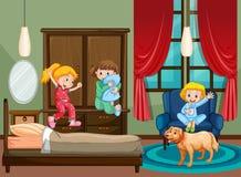 Scena della camera da letto con il bambino al pigiama party Fotografia Stock Libera da Diritti