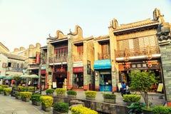 Scena della città antica cinese, vecchia strada dei negozi tradizionale di affari in Cina Immagini Stock Libere da Diritti