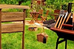 Scena della griglia del BBQ nel cortile Fotografia Stock Libera da Diritti