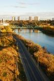 Scena della riva del fiume di autunno a Edmonton Immagine Stock Libera da Diritti
