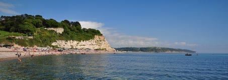 Scena della spiaggia a birra, Dorset, Regno Unito Immagine Stock