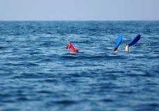 Scena della superficie dell'operatore subacqueo di scuba Immagine Stock Libera da Diritti