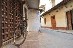 Scena della via in città di pietra, zanzibar Fotografia Stock
