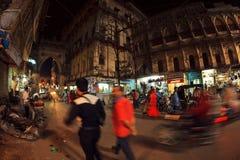 Scena della via di notte in Junagadh fotografie stock