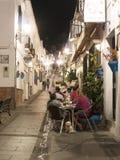 Scena della via di notte a Mijas una di villaggi 'bianchi' più bei Fotografia Stock