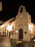 Scena della via di notte a Mijas una di villaggi 'bianchi' più bei Fotografia Stock Libera da Diritti