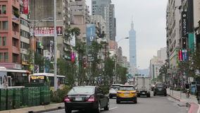 Scena della via di Taipei vicino all'area di commercio orientale del portone HD stock footage