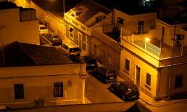Scena della via a Faro Portogallo al crepuscolo Immagine Stock