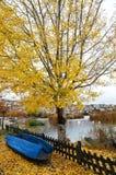 Scena di autunno a Kastoria, Grecia fotografia stock