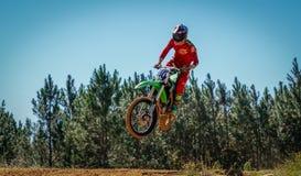 Scena di azione di Dirtbike Fotografia Stock Libera da Diritti