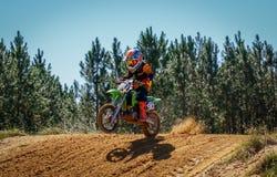 Scena di azione di Dirtbike di motocross Immagini Stock