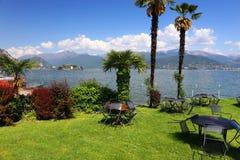 Scena di estate in Stresa, località di soggiorno famosa sulla riva occidentale del lago Maggiore Fotografia Stock