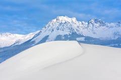 Scena di inverno in alpi Immagini Stock
