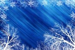 Scena di inverno con backround blu Immagini Stock Libere da Diritti