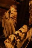 Scena di legno del bambino di Cristo e di vergine Maria Fotografie Stock