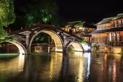 Scena di notte del ponte di pietra in Wuzhen, Cina Fotografie Stock Libere da Diritti