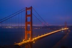 Scena di notte del ponticello di cancello dorato Immagini Stock Libere da Diritti