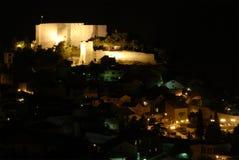 Scena di notte della città di Sibenik-knin, Croatia Immagine Stock